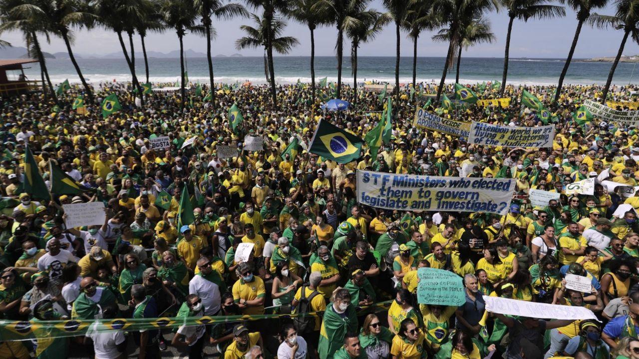 Tensión en las calles de Brasil: seguidores y opositores de Bolsonaro  marchan hacia la Corte Suprema | Minuto Argentina